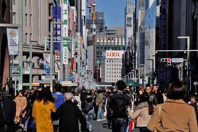 日本人为什么不买LV包了?你还在剁手买买买?这篇文章将对你有所启示