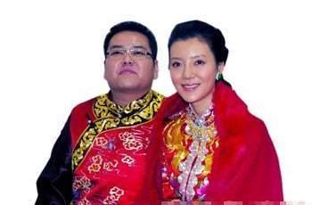 中国最惨首富被京沪列为老赖,10年花光125亿,曾200辆豪车娶女星