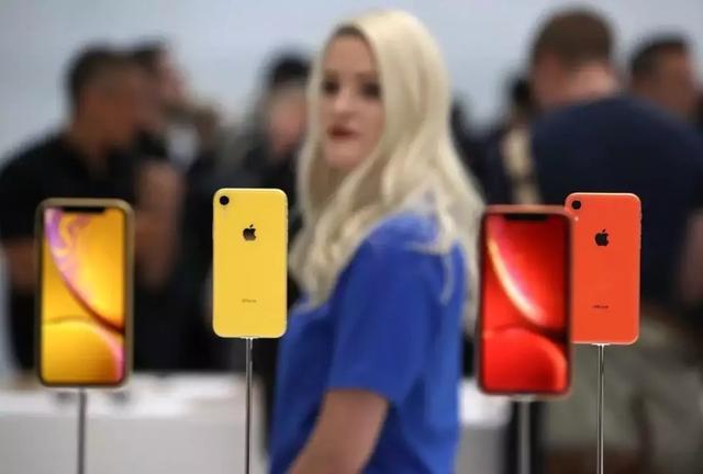 iPhone卖不动,苹果终于作死自己了?