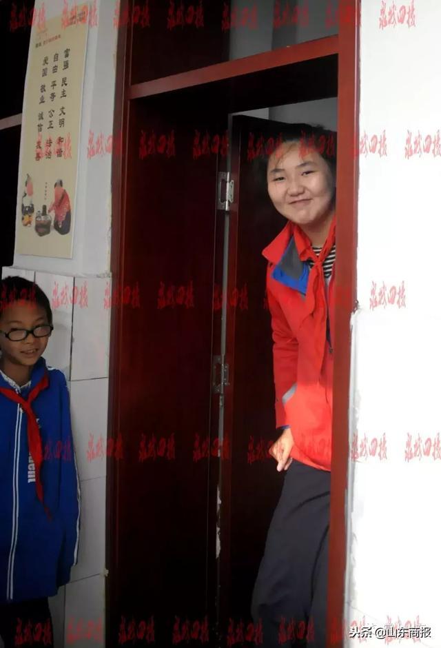 济南一六年级女生身高2.10米!姚明当年都不如她……