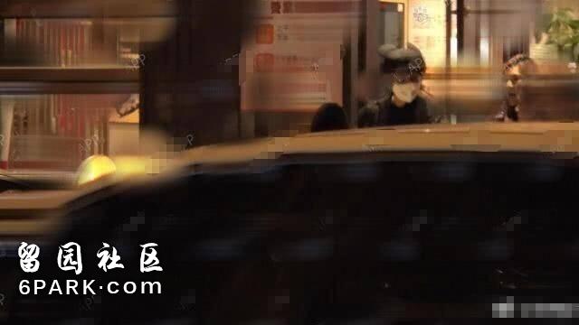 首度同框!范冰冰李晨寒夜共吃火锅,网友:这个男人有担当!
