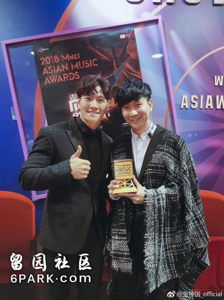 林俊杰唱了两首歌就登上韩国热搜第一,网友:太长脸了!