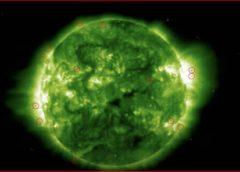 太阳赤道惊现神秘UFO!外星人在谋划什么?